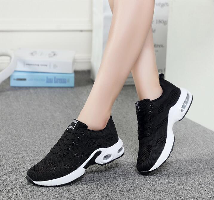 Zapatillas cómodas para andar transpirables con cordones para mujer color negro